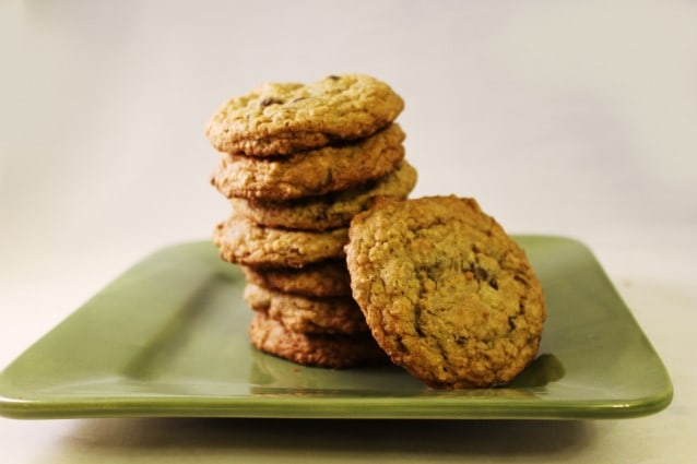 Best Recipes Magazine- Chocolate Chip Oatmeal Cookies